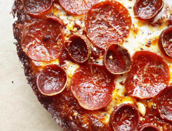 Spicy pepperoni pan pizza